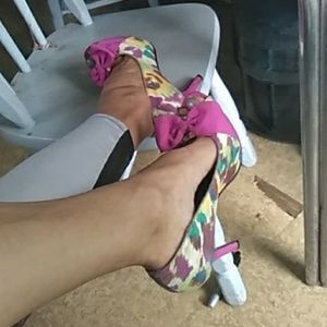 Shoes - 7.5 peep toe floral mix colored heels